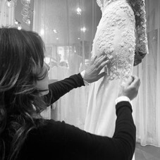 ✦ Construire votre robe, pas à pas, avec vous, choisir chaque dentelle, chaque détail… pour réaliser VOTRE robe, une pièce unique qui vous ressemble !  #LaMarieeSurMesure #ChantalTemamBrides #LaMarieeByChantalTemam
