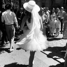 ♡ Gabrielle & sa robe de mariée entièrement sur-mesure, une dentelle rebrodée, une jolie emmanchure américaine, du tulle de soie…⠀⠀⠀⠀⠀⠀⠀⠀⠀ #ChantalTemamBrides⠀⠀⠀⠀⠀⠀⠀⠀⠀ #LaMarieeByChantalTemam⠀⠀⠀⠀⠀⠀⠀⠀⠀ 👰🏻♀️: @gabriellegzm