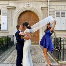 ♡ Samantha & sa combinaison sur-mesure réalisée pour son mariage civile, un haut avec une delicate dentelle en transparence, un pantalon flare et une jolie cape en soie pour sublimer la tenue ! ⠀⠀⠀⠀⠀⠀⠀⠀⠀ #ChantalTemamBrides⠀⠀⠀⠀⠀⠀⠀⠀⠀ #LaMarieeByChantalTemam⠀⠀⠀⠀⠀⠀⠀⠀⠀ 👰🏻♀️: @fatandfurious_tlv⠀⠀⠀⠀⠀⠀⠀⠀⠀ MUHA : @noemiecoiffeusemaquilleuse